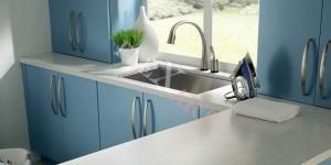 Столешница для ванной с окном из Corian Silver Birch