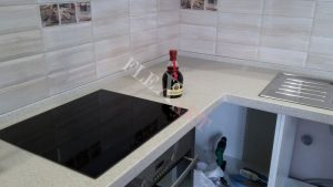 Столешница для кухни из акрилового камня
