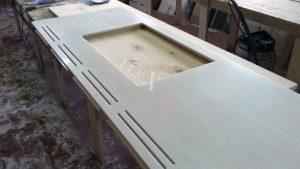 Процесс изготовления столешницы в цехе